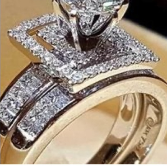 Jewelry - White Gold filled CZ engagement set.  Size 9